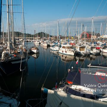 Port de Paimpol / Côtes d'Armor / Bretagne - Réf : VQFR22-0932 (Q2)