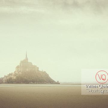 Mont-St-Michel et sa baie à marée basse - Réf : VQFR50-0029-TV (Q1)