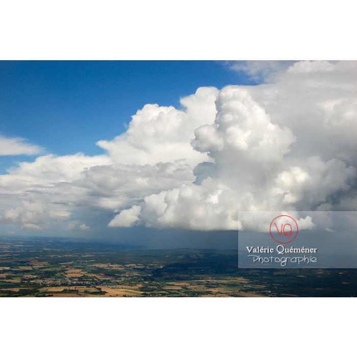 Vue aérienne de cumulonimbus - Réf : VQ_CIEL-083 (Q1)