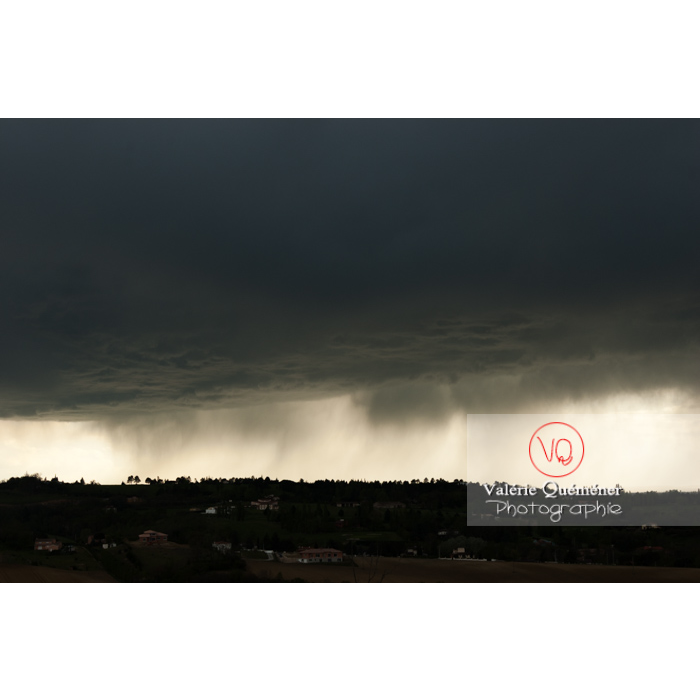 Ciel de pluie d'orage d'un cumulonimbus - Réf : VQ_CIEL-117 (Q1)