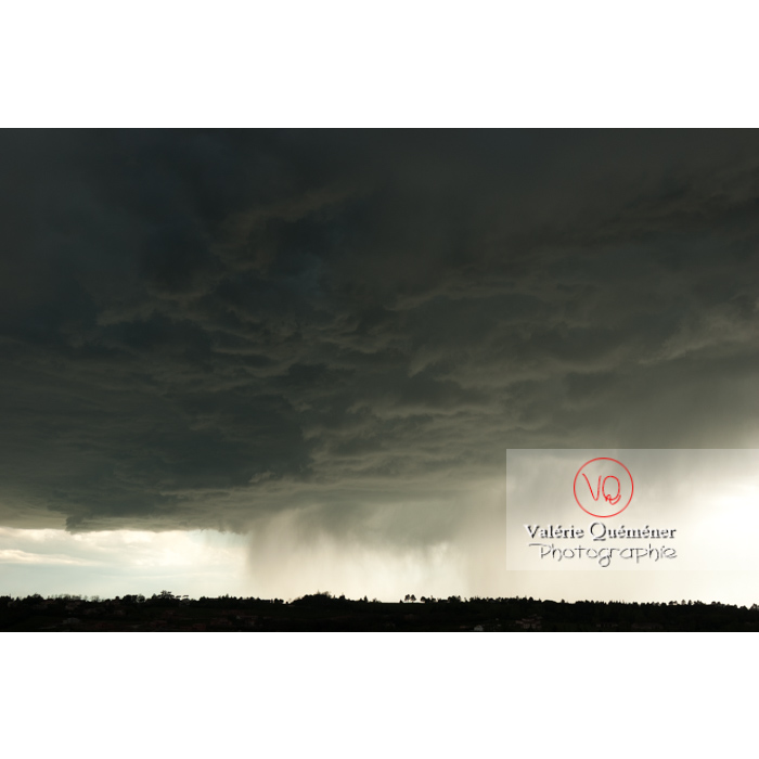Ciel de pluie d'orage d'un cumulonimbus - Réf : VQ_CIEL-123 (Q1)