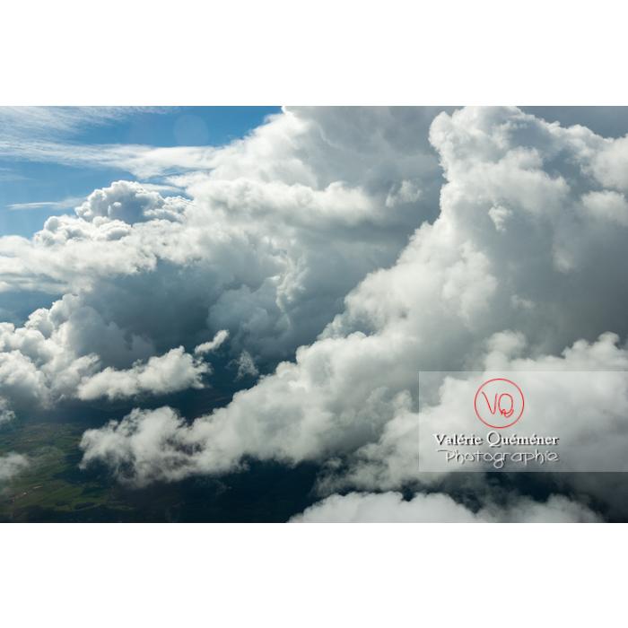 Vue aérienne de cumulonimbus - Réf : VQ_CIEL-142 (Q1)