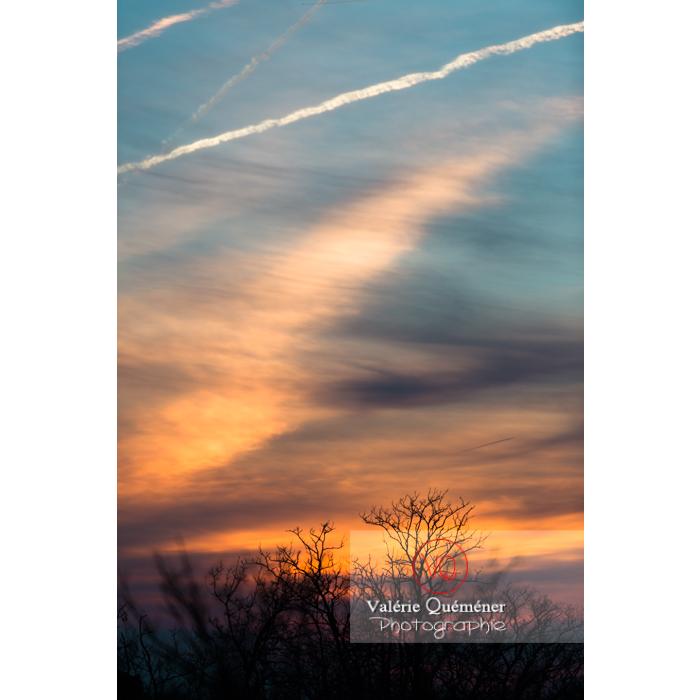 Beau ciel coloré au coucher de soleil - Réf : VQ-CIEL-1528 (Q2)