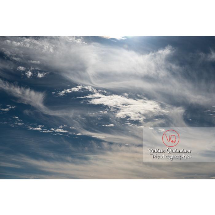 Ciel de cirrostratus et cirrocumulus - Réf : VQ-CIEL-1593 (Q3)