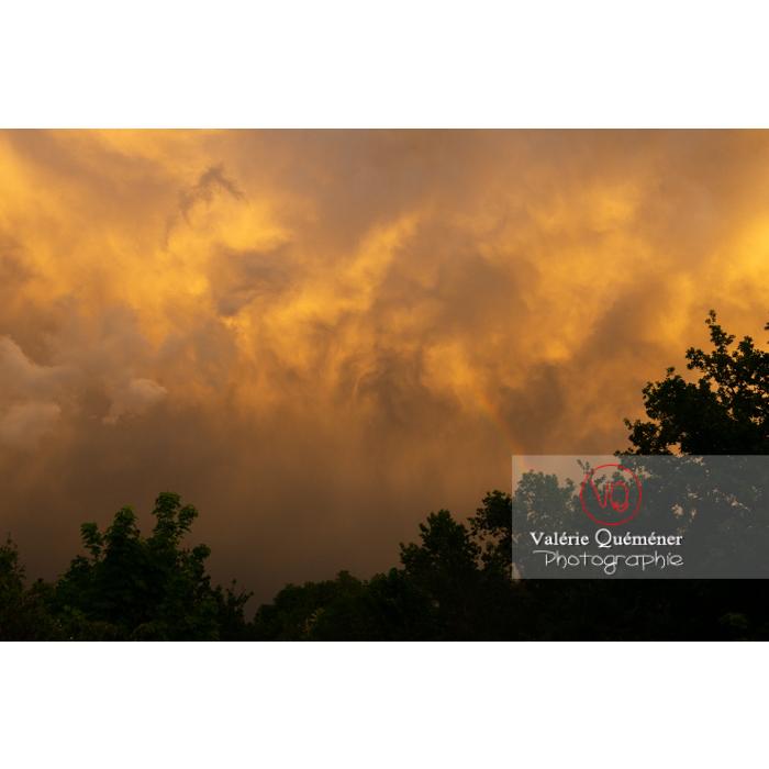Ciel d'orage jaune au coucher de soleil - Réf : VQ-CIEL-2010 (Q3)