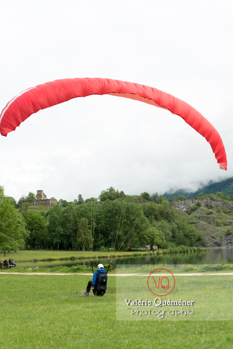 Atterissage de parapente à Loudenvielle / Hautes-Pyrénées / Occitanie - Réf : VQ-PARA-0415 (Q3)