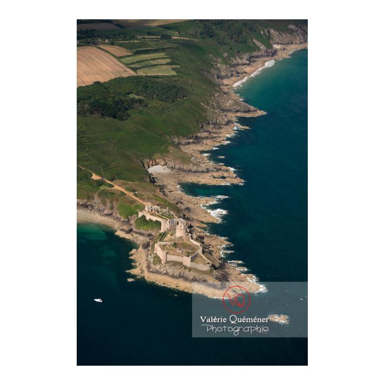 Vue aérienne sur le Fort-la-Latte sur la commune de Plévenon / Côtes d'Armor (22) / France - Réf : VQA_2015-0191 (Q2)
