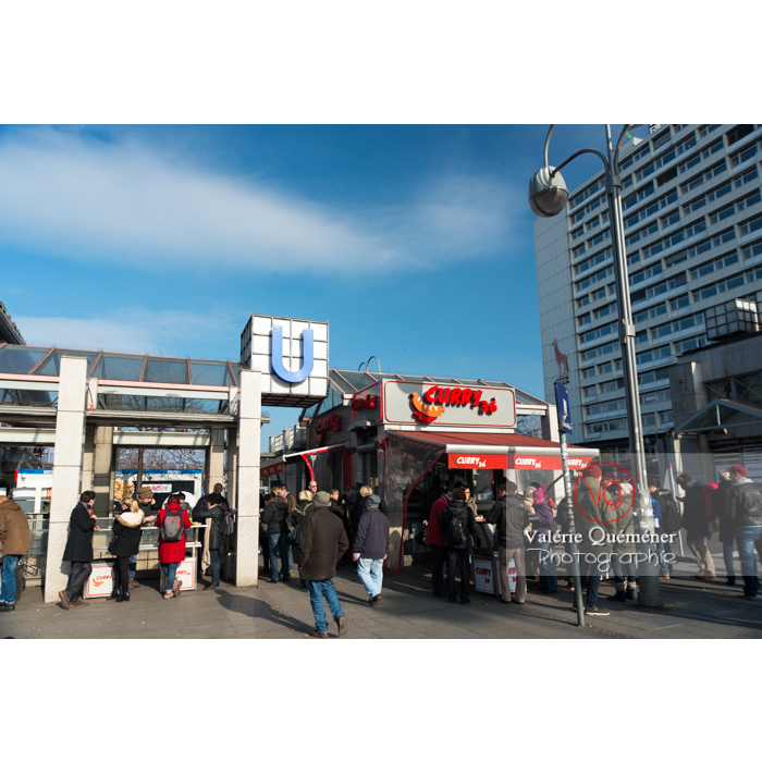 Entrée du U-Bahn / métro, Hardenbergplatz, Berlin / Allemagne - Réf : VQALL_BL-0021 (Q3)