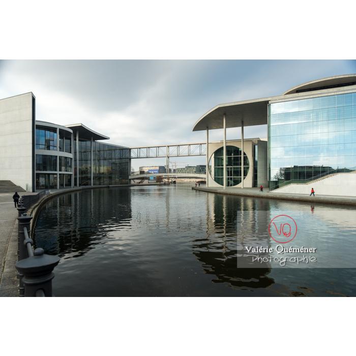Bâtiment Pole Lobe Haus, quartier Band des Bundes et rivière Spree, Berlin / Allemagne - Réf : VQALL_BL-0048 (Q3)