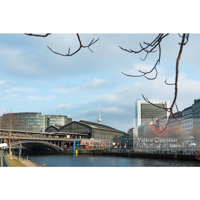 Gare Friedrichstrasse et rivière Spree, Berlin / Allemagne - Réf : VQALL_BL-0051 (Q3)