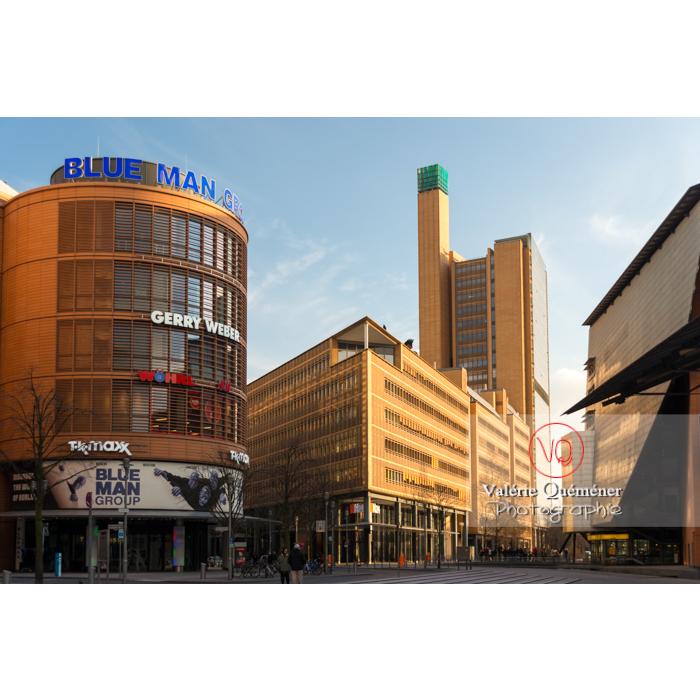 Atrium tower par les architectes Renzo Piano et Christoph Kohlbecker, Marlene-Dietrich-Platz, Berlin / Allemagne - Réf : VQALL_BL-0067 (Q3)