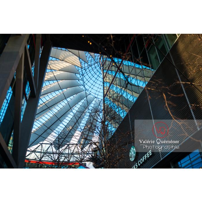Coupole du Sony Center, Potsdamer Platz, Berlin / Allemagne - Réf : VQALL_BL-0089 (Q3)