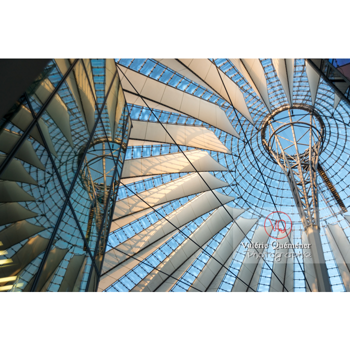 Coupole du Sony Center, Potsdamer Platz, Berlin / Allemagne - Réf : VQALL_BL-0091 (Q3)