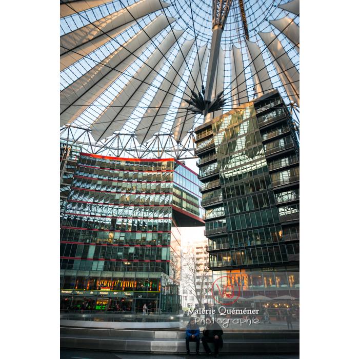 Coupole du Sony Center, Potsdamer Platz, Berlin / Allemagne - Réf : VQALL_BL-0092 (Q3)