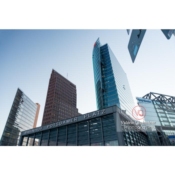 Immeubles de bureaux et bahnhof, Potsdamer Platz, Berlin / Allemagne - Réf : VQALL_BL-0106 (Q3)