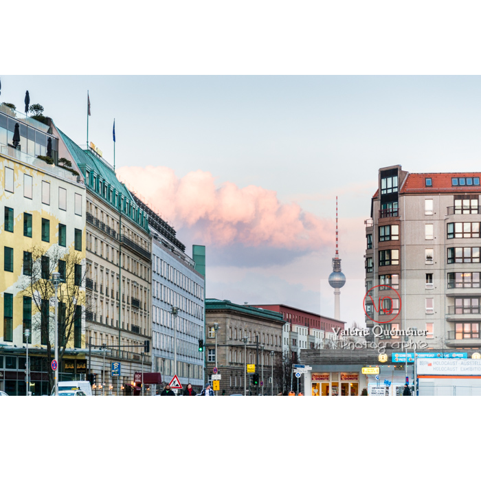 Immeubles et tour de la télévision 'Fernsehturm', Berlin / Allemagne - Réf : VQALL_BL-0118 (Q3)