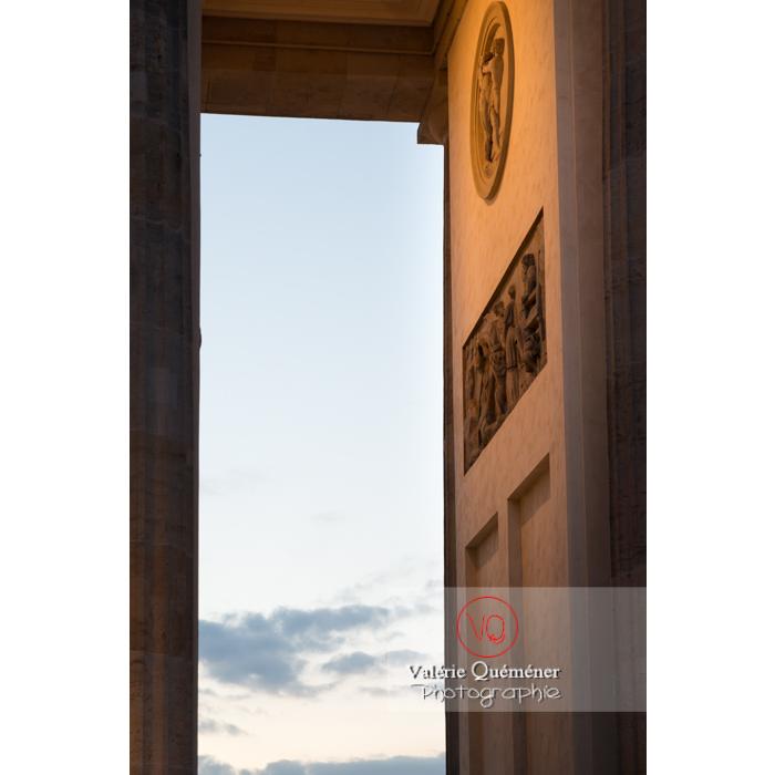 Détail de la porte de Brandebourg, Berlin / Allemagne - Réf : VQALL_BL-0136 (Q3)