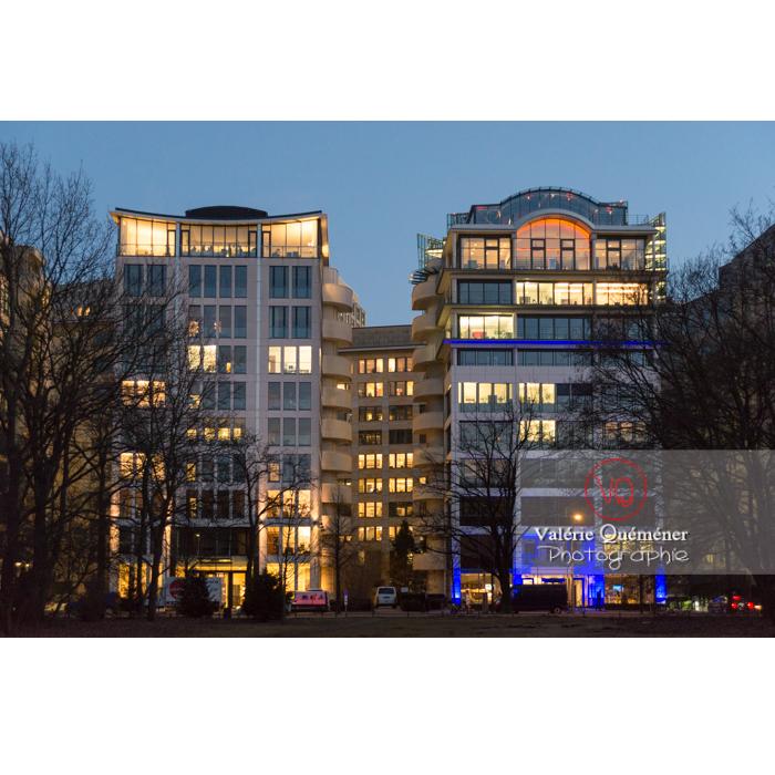 Immeubles de nuit, Tiergarten, Berlin / Allemagne - Réf : VQALL_BL-0140 (Q3)