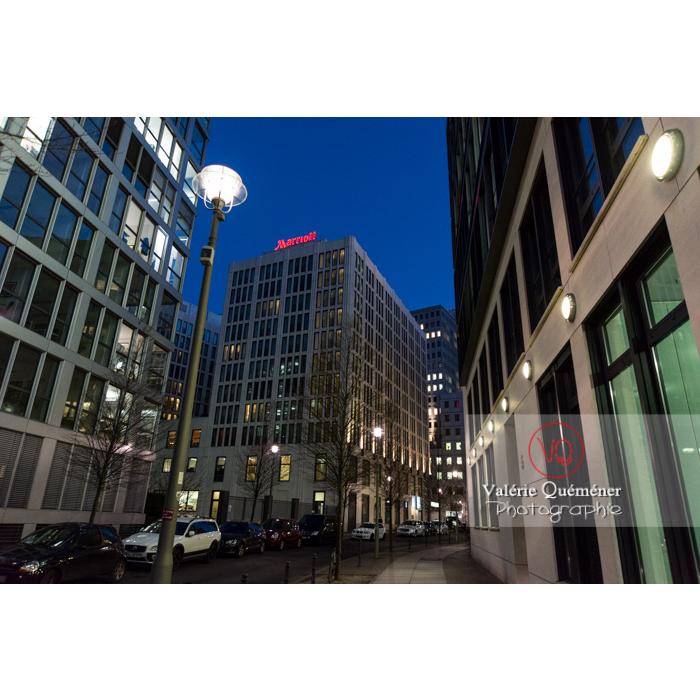 Immeubles / bureaux de nuit, Inge-Beisheim-Platz, Berlin / Allemagne - Réf : VQALL_BL-0144 (Q3)