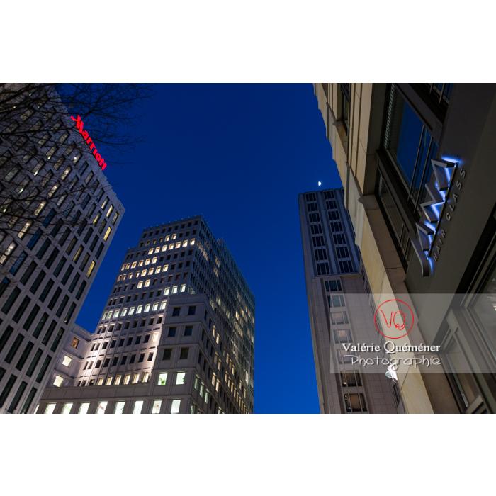 Immeubles / bureaux de nuit, Inge-Beisheim-Platz, Berlin / Allemagne - Réf : VQALL_BL-0148 (Q3)