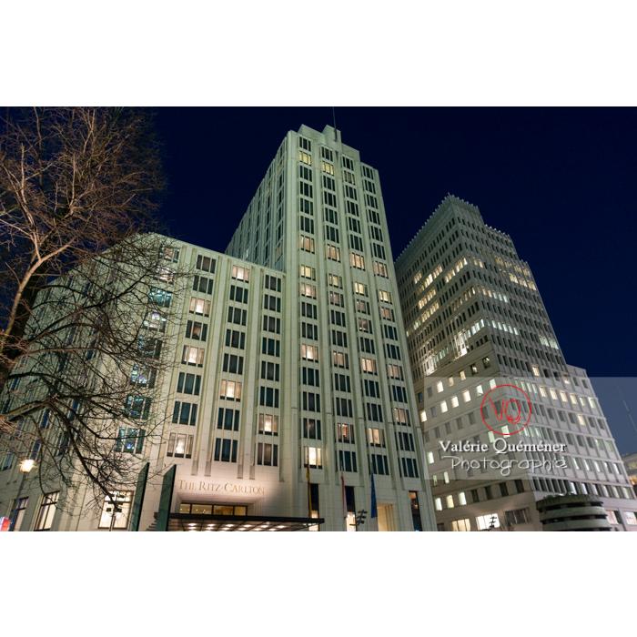 Immeubles / bureaux de nuit, Potsdamer Platz, Berlin / Allemagne - Réf : VQALL_BL-0160 (Q3)