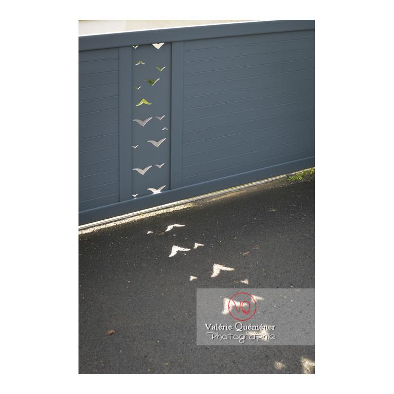 Détail d'un design ajouré d'un portail - Réf : VQF&J-13192 (Q3)