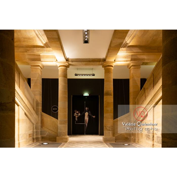 Centre National du Costume de Scène (MH), musée dédié à la mode, exposition sur les Couturiers de la danse, 2019-2020 / Moulins / Allier / Auvergne-Rhône-Alpes - Réf : VQFR03-0340 (Q3)