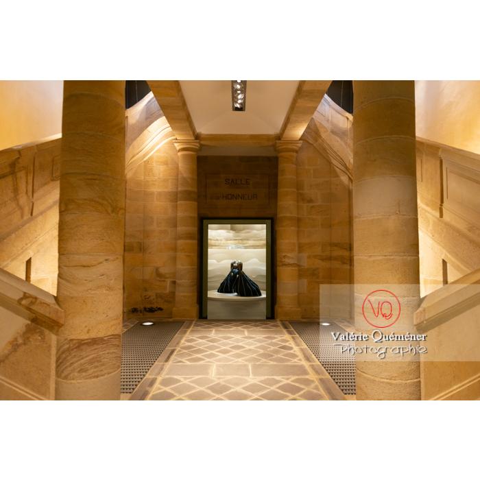 Centre National du Costume de Scène (MH), musée dédié à la mode, exposition sur les Couturiers de la danse, 2019-2020 / Moulins / Allier / Auvergne-Rhône-Alpes - Réf : VQFR03-0342 (Q3)