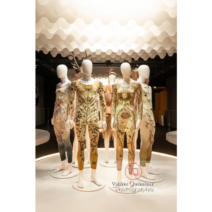 Justaucorps d'inspiration végétale de Maria Grazia Chiuri chez Dior - Réf : VQFR03-0364 (Q3)
