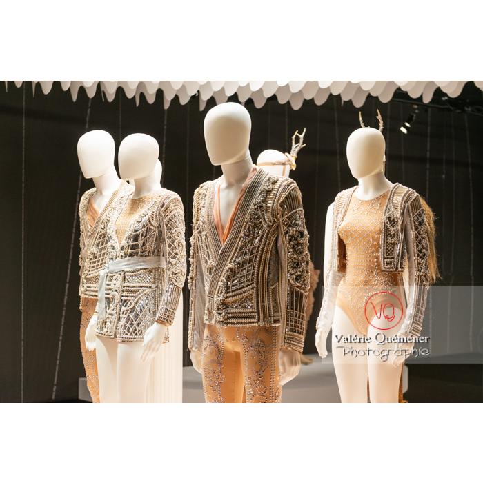 Costumes en perle d'Olivier Rousteing / Balmain pour Renaissance de Sébastien Bertaud, Opéra National de Paris, 2017 - Réf : VQFR03-0370 (Q3)