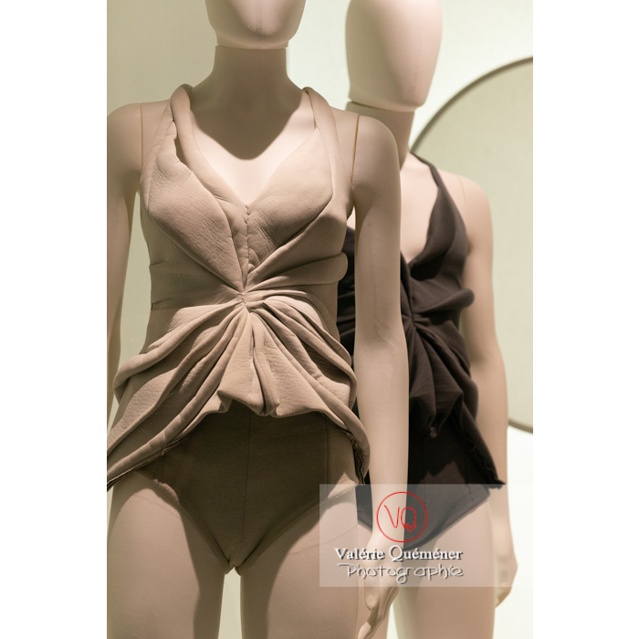 Costumes de l'exposition Couturiers de la danse - Réf : VQFR03-0384 (Q3)