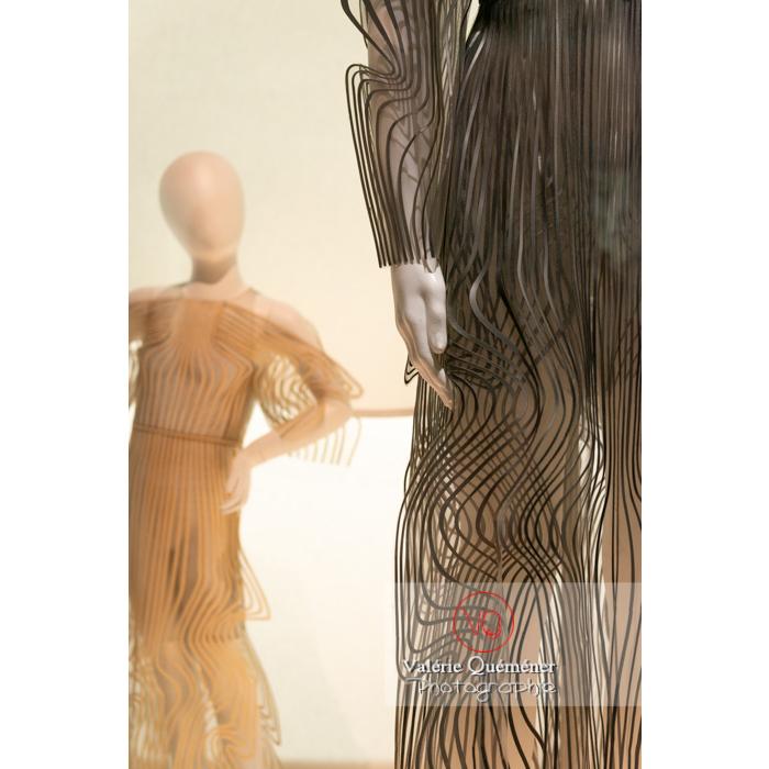 Costumes découpés au laser par Iris Van Herpen pour Pelléas et Mélisande pour Sidi Larbi Charkaoui, 2017 - Réf : VQFR03-0387 (Q3)