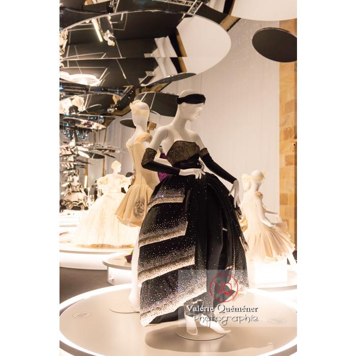 Costumes de Gianni Versace pour Patrice Chéreau (devenu danseur) de Maurice Béjart - pour Élégie d'Elle, L., Aile, de Maurice Béjart, Opéra Royal Londres, 2012 - Réf : VQFR03-0391 (Q3)