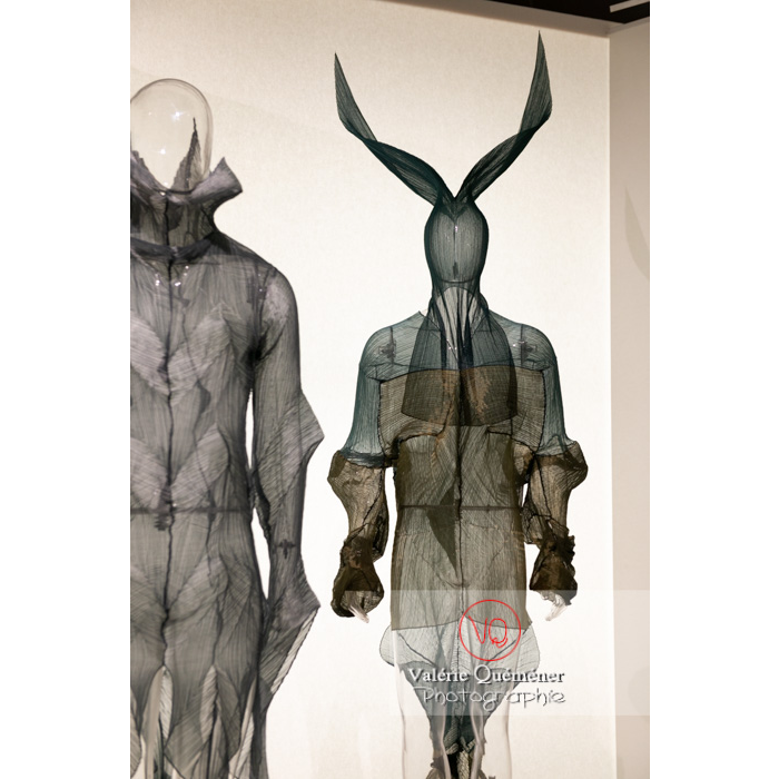 Costumes d'Issey Miyake pour William Forsythe - Réf : VQFR03-0406 (Q3)