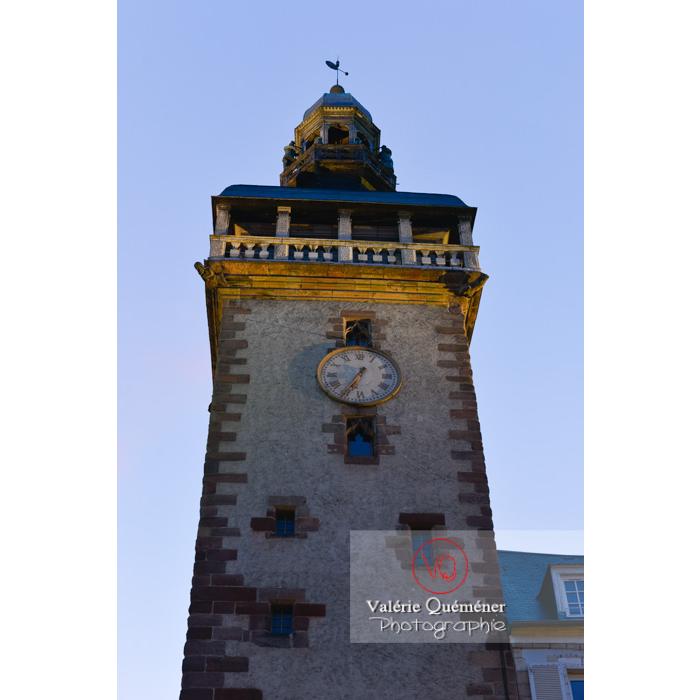 Tour du Jacquemart le soir à Moulins / Allier / Auvergne-Rhône-Alpes - Réf : VQFR03-0426 (Q3)