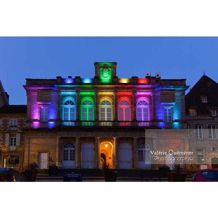 Mairie de Moulins de style néo-classique éclairée de nuit / Allier / Auvergne-Rhône-Alpes - Réf : VQFR03-0428 (Q3)