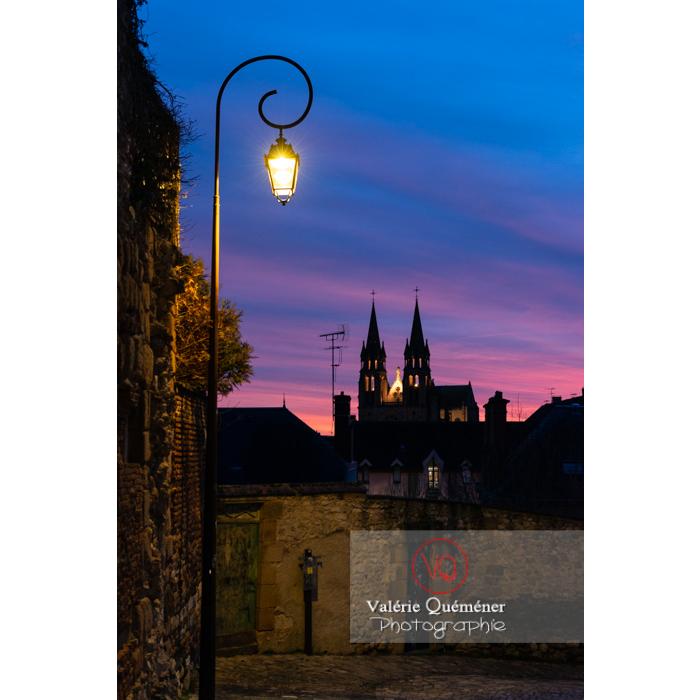 Coucher de soleil sur l'église du Sacré-Cœur à Moulins / Allier / Auvergne-Rhône-Alpes - Réf : VQFR03-0435 (Q3)