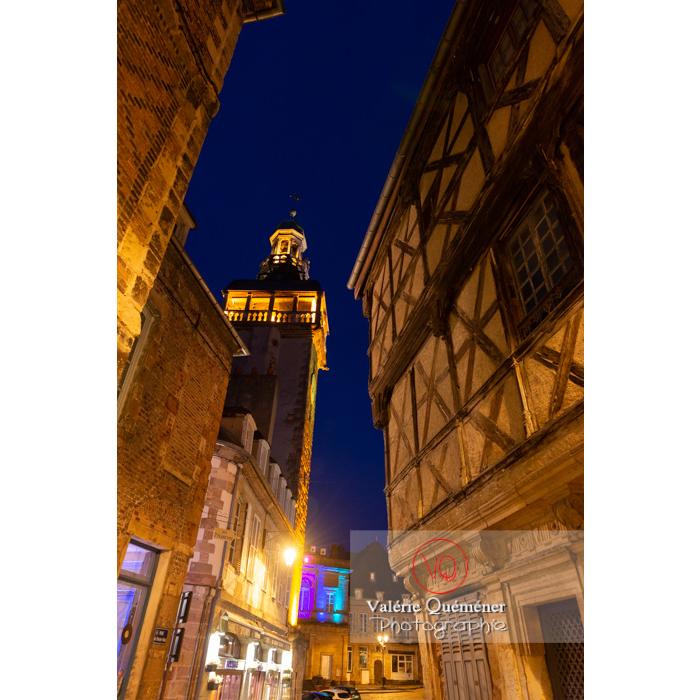 La tour du Jacquemart et ancienne maison à colombages à Moulins / Allier / Auvergne-Rhône-Alpes - Réf : VQFR03-0446 (Q3)