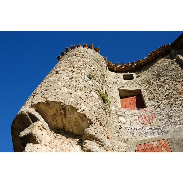 Tour d'une maison du village de Saissac en Pays Cathare / Aude / Occitanie - Réf : VQFR11-0083 (Q1)