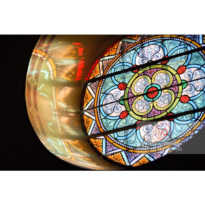 Vitrail de l'église St-Michel du village de Saissac, en Pays Cathare / Aude / Occitanie - Réf : VQFR11-0126 (Q1)