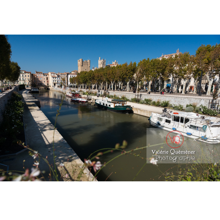 Vue sur le palais des archevêques et le pont des marchands depuis le canal de la Robine, à Narbonne - Réf : VQFR11-0419 (Q3)