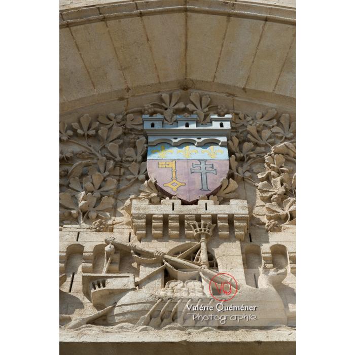 Détail fronton de l'hôtel de ville de Narbonne - Réf : VQFR11-0436 (Q3)