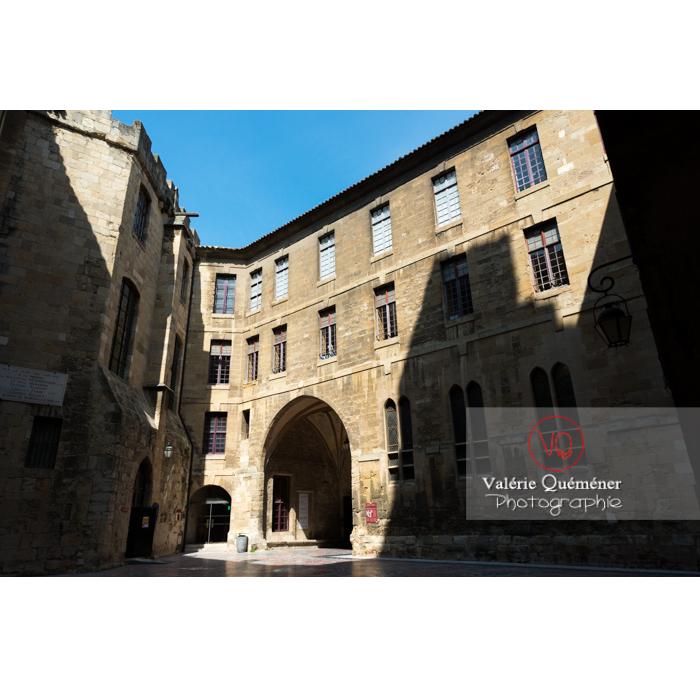 Cour intérieure du palais des archevêques, à Narbonne - Réf : VQFR11-0439 (Q3)