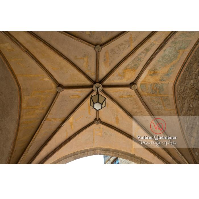 Voûte au palais des archevêques, à Narbonne / Aude / Occitanie - Réf : VQFR11-0443 (Q3)
