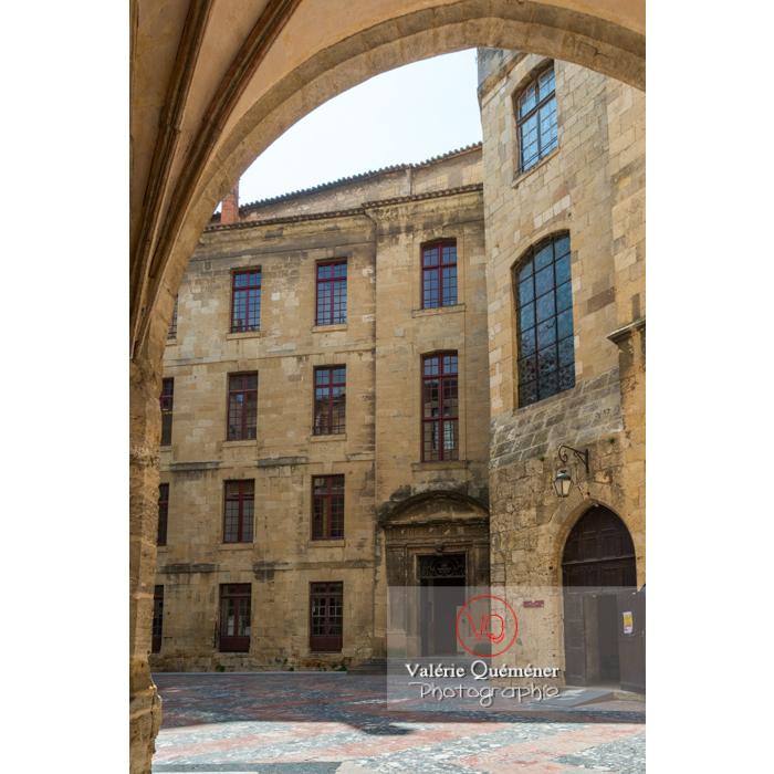 Cour intérieure du palais des archevêques, à Narbonne - Réf : VQFR11-0448 (Q3)