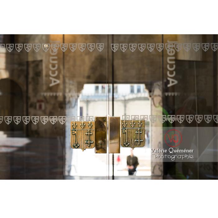 Porte en verre de l'hôtel de ville de Narbonne - Réf : VQFR11-0450 (Q3)