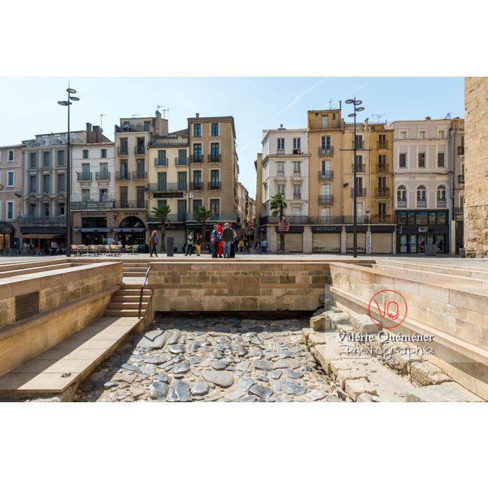 Voie Domitienne place de l'hôtel de ville à Narbonne - Réf : VQFR11-0454 (Q3)