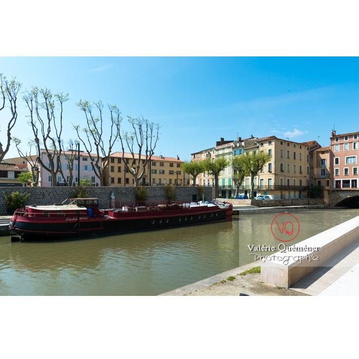 Péniche sur le canal de la Robine, à Narbonne - Réf : VQFR11-0458 (Q3)
