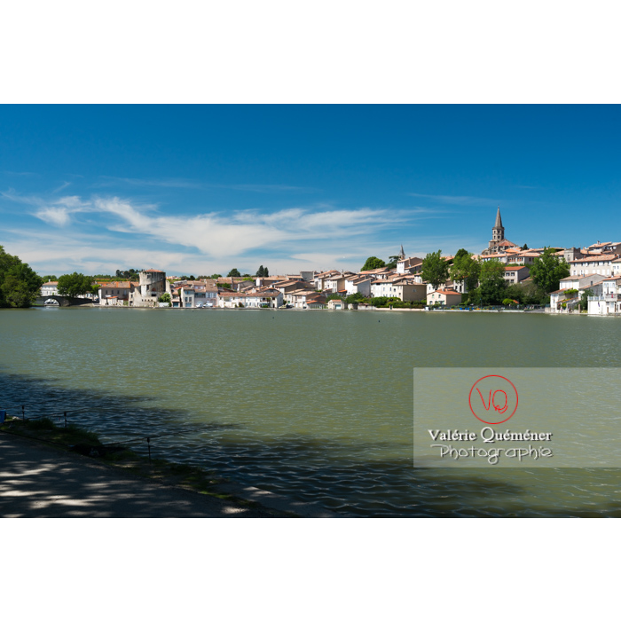 Village de Castelnaudary au bord du canal du midi / Aude / Occitanie - Réf : VQFR11-0669 (Q3)
