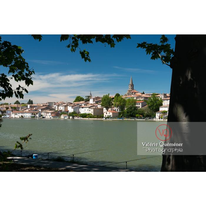 Village de Castelnaudary au bord du canal du midi / Aude / Occitanie - Réf : VQFR11-0672 (Q3)